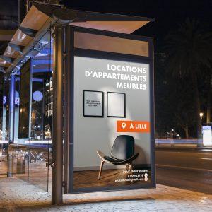 Affiche publicitaire dans la rue